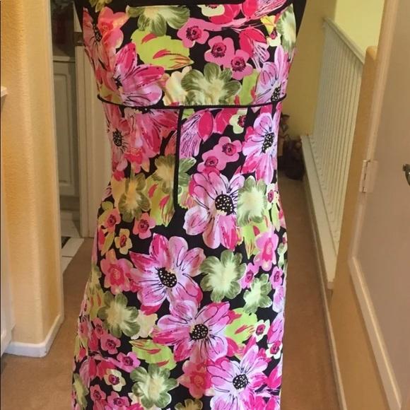 Lily Dresses & Skirts - Floral pink dress